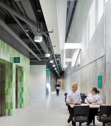 Press kit | 1866-01 - Press release | Durham College Centre for Food - Gow Hastings Architects - Institutional Architecture - Light wells bring natural light into the lower-level student spaces - Photo credit: Tom Arban