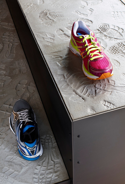 Press kit | 1048-07 - Press release | +tongtong designs a high-end running store in downtown Toronto inspired by its urban context - +tongtong - Commercial Interior Design - Photo credit: Colin Faulkner Photography