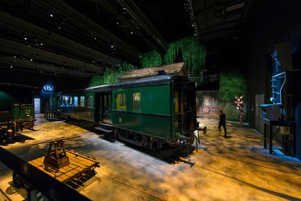 Press kit | 621-21 - Press release | Spectacle multisensoriel pour le nouveau musée ferroviaire belge Train World - Lightemotion - Lighting Design - Photo credit: Marie-Francoise Plissart