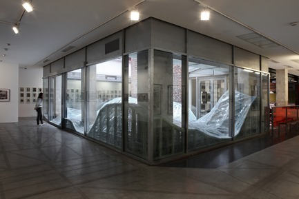 "Press kit | 985-06 - Press release | Acceleration Field - Baptiste Debombourg - Event + Exhibition -  Contextual installation in laminated glass ( 4 tons), 11x7x1,8m / Krupic Kersting - KUK - Cologne (DE) 2015<br>A proposal of the ""Amis de la maison rouge"", Le Patio, Fondation Antoine de Galbert, Maison Rouge, Paris  - Photo credit: Courtesy Galerie Patricia Dorfmann - Paris (FR)"