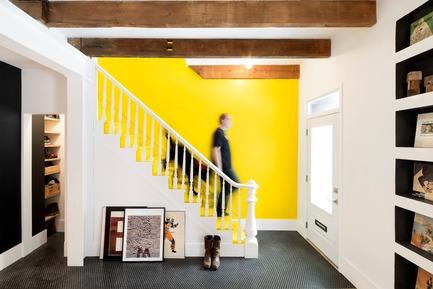 Dossier de presse | 1608-02 - Communiqué de presse | La Renaissance de Grand Trunk - Mark+Vivi - Architecture résidentielle - Escaliers - Crédit photo : Adrien Williams