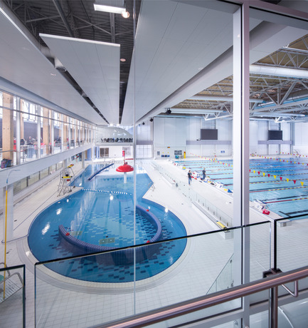 Dossier de presse | 846-17 - Communiqué de presse | Ceragres is celebrating its 25 years, looking toward the future - Ceragres - Produit - Piscine du Pavillon de l'Éducation Physique et des Sports - PEPS, Quebec  - Crédit photo : Stéphane Groleau