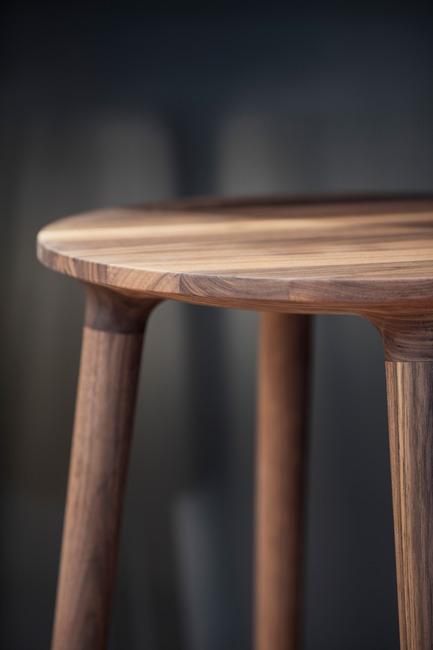 Press kit | 1077-03 - Press release | The C401 stoolA strong formal presence - Kastella - Industrial Design - C401 seat detail<br> - Photo credit: Adrien Williams<br>