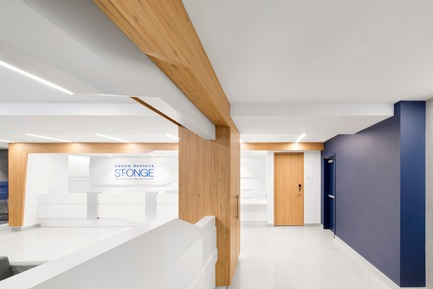 Press kit | 1538-02 - Press release | Le 1650, a modern facility, bold in design with a unique signature style - A2DESIGN Concepteurs stratégiques - Commercial Architecture - St-Onge Dental Center - Photo credit: Adrien Williams