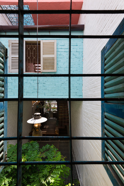 Press kit | 1256-01 - Press release | Saigon house - a21studĩo - Residential Architecture - Room view to courtyard  - Photo credit: Quang Tran