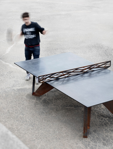 Press kit | 1556-01 - Press release | Mastering the delicate art of rough materials - AtelierB - Product - Peco Mob table - Photo credit: Adrien Williams