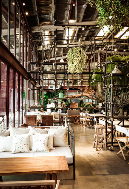 Press kit | 1972-01 - Press release | 'Vivarium' - A Tractor Warehouse Turned Restaurant by Hypothesis Won the INSIDE Award 2015 - Hypothesis - Commercial Interior Design - The main dining area - Photo credit:  Hypothesis