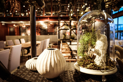 Press kit | 1972-01 - Press release | 'Vivarium' - A Tractor Warehouse Turned Restaurant by Hypothesis Won the INSIDE Award 2015 - Hypothesis - Commercial Interior Design - Ceramic design byYarnnakarn Art and Craft Studio - Photo credit:  Hypothesis