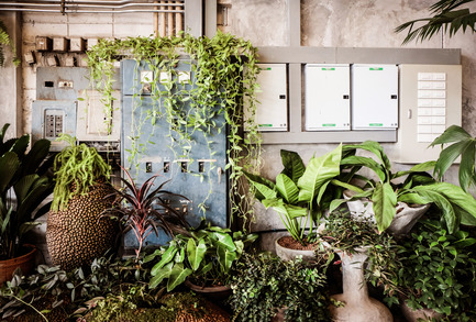 Press kit | 1972-01 - Press release | 'Vivarium' - A Tractor Warehouse Turned Restaurant by Hypothesis Won the INSIDE Award 2015 - Hypothesis - Commercial Interior Design - New and old M&E units - Photo credit:  Hypothesis