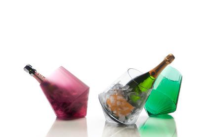 Dossier de presse | 990-03 - Communiqué de presse | KAYIWA's New Gravity-Defying Barware Redefines Modern Drinking Culture - KAYIWA - Produit -  CARAT Barware by KAYIWA  - Crédit photo : KAYIWA