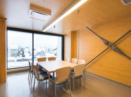 Press kit | 755-04 - Press release | Alouette University Building, UQAC - BGLA | Architecture + Design urbain - Institutional Architecture - Meeting room<br>Apparent wood structure<br> - Photo credit: Optik 360°