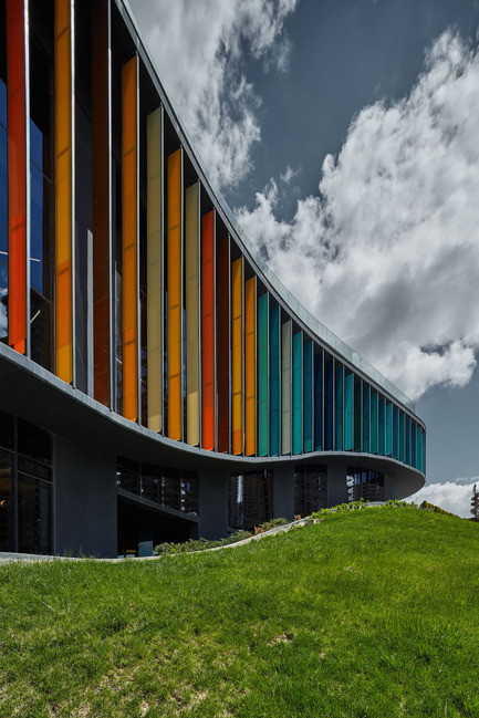 Press kit | 1980-01 - Press release | Yazgan Design wins the 'Innovative Use of Color Award' at WAF 2015 - Yazgan Design Architecture - Competition - Façade detail - Photo credit: Yunus Özkazanç