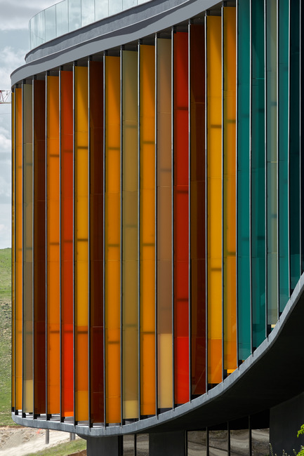 Press kit | 1980-01 - Press release | Yazgan Design wins the 'Innovative Use of Color Award' at WAF 2015 - Yazgan Design Architecture - Competition - Façade detail - Photo credit: Yunus Özkazanç