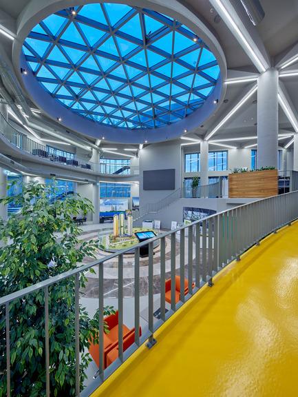 Press kit | 1980-01 - Press release | Yazgan Design wins the 'Innovative Use of Color Award' at WAF 2015 - Yazgan Design Architecture - Competition - Interior view from ramp - Photo credit: Yunus Özkazanç