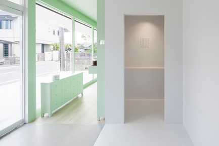 Press kit   2005-01 - Press release   Sumiyoshido kampo lounge, clinic for acupuncture and moxibustion - id inc. - Commercial Interior Design - Photo credit: ©id-inc.