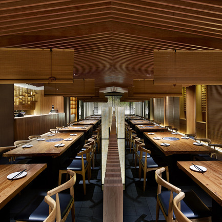 Dossier de presse | 902-05 - Communiqué de presse | World Design Rankings - A' Design Award and Competition - Event + Exhibition - Tsuruichi Janpanese Restaurant by Lee Hsuheng, Zhao Shuang, Zheng Yanan - Crédit photo : Golucci International Design
