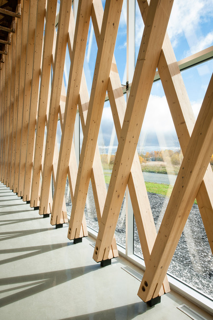 Press kit | 755-05 - Press release | Industrial Residues Technological Center (CTRI) - Groupe Conseil Trame / BGLA - Institutional Architecture - View of the structural system that forms a wooden mesh - Photo credit: Christian Perreault