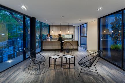 Dossier de presse | 1825-01 - Communiqué de presse | Just Be Apartments - Arqmov Workshop - Residential Architecture - Interior - Crédit photo : Rafael Gamo