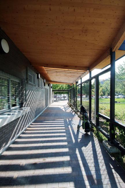 Press kit | 1170-02 - Press release | Golf Welcome Pavilion at Maisonneuve Park - Ville de Montréal - Institutional Architecture -  Driving range direct access - Photo credit: Vincent Audy