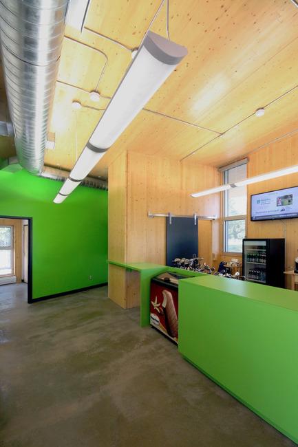 Press kit | 1170-02 - Press release | Golf Welcome Pavilion at Maisonneuve Park - Ville de Montréal - Institutional Architecture - &nbsp; Payment counter, equipment renting, shop<br>  - Photo credit: Vincent Audy