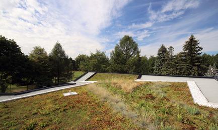 Press kit | 1170-02 - Press release | Golf Welcome Pavilion at Maisonneuve Park - Ville de Montréal - Institutional Architecture - Green roof - Photo credit: Vincent Audy<br>