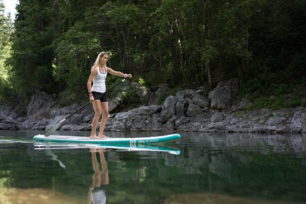 Press kit | 1857-01 - Press release | SipaBoards Bring Fresh Air To Paddleboarding - SipaBoards - Product - SipaBoards' sleek and smart design provides users with the absolute best paddling experience. - Photo credit: Uros Podlogar