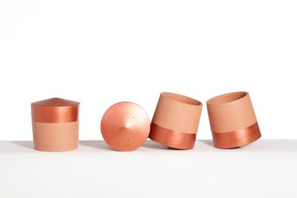 Press kit | 2019-01 - Press release | Voltasol, the rolling flowerpot - Studio BAG Disseny - Product - Copper voltasols on small size<br> - Photo credit: Jordi Roca<br>
