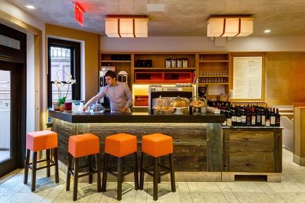 Dossier de presse   1825-02 - Communiqué de presse   Altesi Ristorante - Arqmov Workshop - Commercial Interior Design - coffee & bread - Crédit photo : Rafael Gamo
