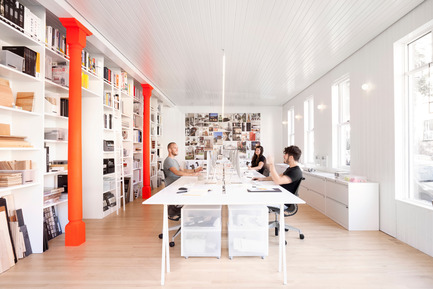 Dossier de presse | 1113-05 - Communiqué de presse | la Shed - la SHED architecture - Architecture commerciale - Atelier de travail - Crédit photo : Maxime Brouillet