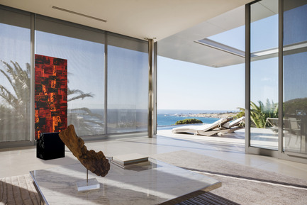 Press kit | 2053-01 - Press release | deiNERI launches stand'ART: an innovative wall-less system that brings visual art to outdoor living. - deiNERI Design Inc. - Product -  François Trottier, artist - Photo credit: Tanya Paiva, Paiva Design<br>