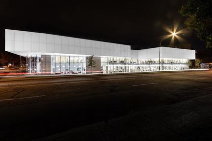 Press kit   763-17 - Press release   Critiques à la une! - Maison de l'architecture du Québec - Event + Exhibition - Saul-Bellow Library, Chevalier Morales Architectes, Montréal, 2015. - Photo credit: Chevalier Morales Architectes