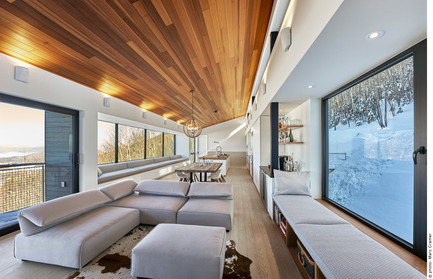 Press kit | 2054-01 - Press release | Laurentian Ski Chalet - RobitailleCurtis - Residential Architecture - View of the main living space (looking northeast) - Photo credit: Marc Cramer