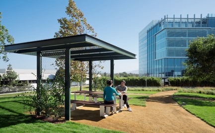 Press kit | 2041-01 - Press release | Silicon Valley's Newest Rooftop Park Brings Workplace Amenities to New Heights - DES Architects + Engineers - Landscape Architecture - Outdoor Work Space - Photo credit: Gregory Cortez