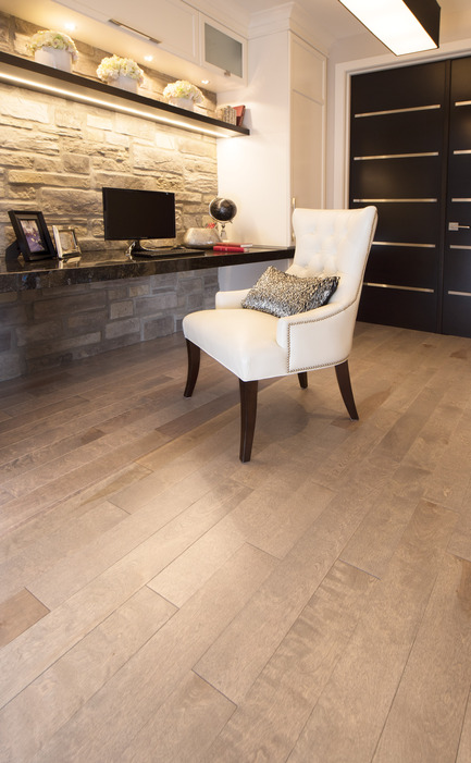 Press kit | 1639-04 - Press release | Rio and Havana: hot new colors from Mirage Hardwood Flooring - Mirage Hardwood Floors - Residential Interior Design -  Yellow Birch Hudson - Admiration Collection<br>  - Photo credit:   Mirage Hardwood Floors