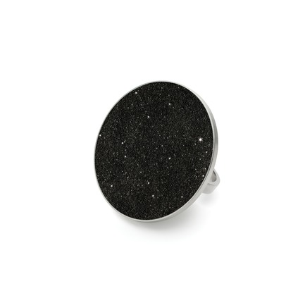 Press kit | 2063-01 - Press release | Stellar, a new concrete-and-diamond jewelry collection from Konzuk, launches at ICFF in New York in May 2016 - KONZUK - Product -  Konzuk Stellar Collection:Seren Major, ring  - Photo credit: Jason Koroluk
