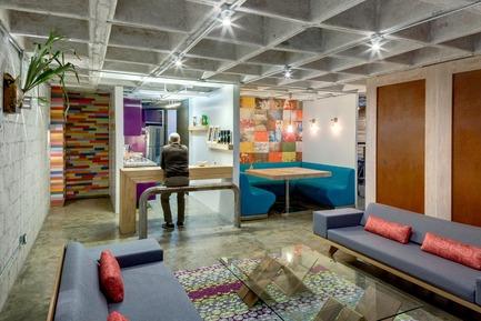 Dossier de presse | 1825-03 - Communiqué de presse | Hegel Apartment - Arqmov Workshop - Design d'intérieur résidentiel - Kitchen & Dining room - Crédit photo : Rafael Gamo