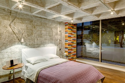 Press kit | 1825-03 - Press release | Hegel Apartment - Arqmov Workshop - Residential Interior Design - Bedroom - Photo credit: Rafael Gamo
