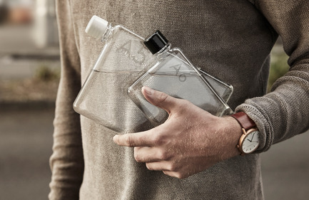 Press kit | 2102-01 - Press release | memobottle | A'Design Award Gold Winner - memobottle - Industrial Design - memobottle A5 and A6 - Photo credit: Tarin Grey