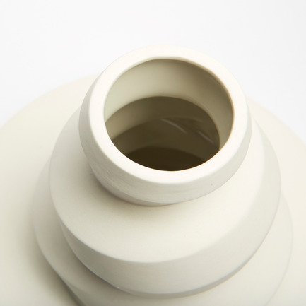 Press kit | 2095-01 - Press release | Seismographic Vases - dua - Product - dua, Seismographic Vases, New Zealand - Photo credit: Tanja Evers