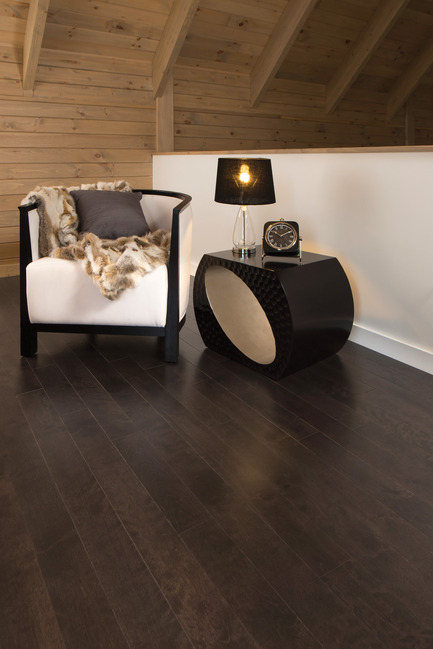 Press kit | 1639-05 - Press release | New colorsand speciescome to the Mirage Sweet Memories Collection - Mirage Hardwood Floors - Residential Interior Design - Aged Yellow Birch, Black Jelly Bean - Sweet Memories Collection - Photo credit: Mirage Hardwood Floors
