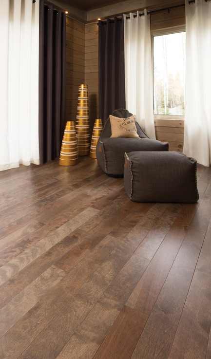Press kit | 1639-05 - Press release | New colorsand speciescome to the Mirage Sweet Memories Collection - Mirage Hardwood Floors - Residential Interior Design - Aged Yellow Birch, Nougat - Sweet Memories Collection - Photo credit: Mirage Hardwood Floors