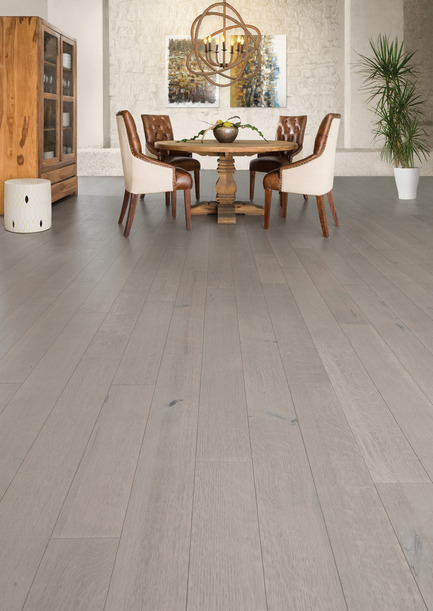 Press kit | 1639-05 - Press release | New colorsand speciescome to the Mirage Sweet Memories Collection - Mirage Hardwood Floors - Residential Interior Design -  Handcrafted White Oak R&Q, Treasure - Sweet Memories Collection  - Photo credit: Mirage Hardwood Floors