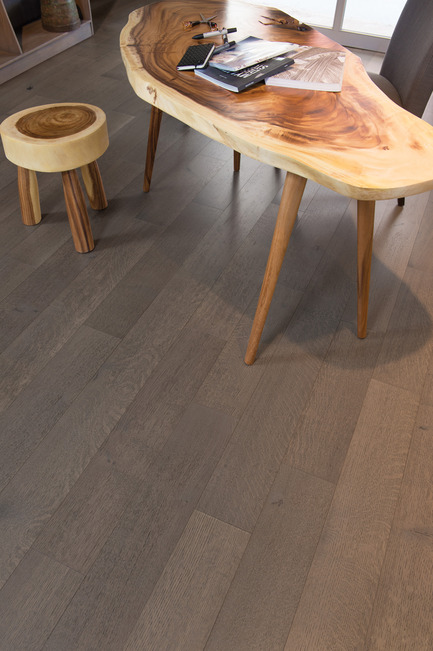 Press kit | 1639-05 - Press release | New colorsand speciescome to the Mirage Sweet Memories Collection - Mirage Hardwood Floors - Residential Interior Design -  Handcrafted White Oak R&Q, Tree House - Sweet Memories Collection  - Photo credit: Mirage Hardwood Floors