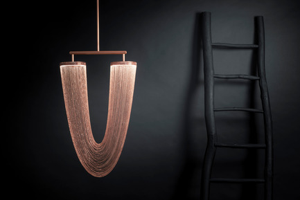 Press kit | 2110-01 - Press release | Nouvelle collection de luminaires par Larose Guyon / Nouvelle chaise suspendue par Les Ateliers Guyon - Larose Guyon - Lighting Design - Otéro - Small / Lighting fixture / Larose Guyon - Photo credit: Larose Guyon