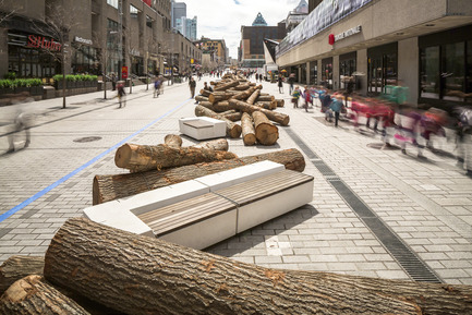 Press kit | 583-13 - Press release | 560 KM: A thousand logs on Sainte-Catherine Street - Quartier des spectacles Partnership - Urban Design - 560 KM by KANVA - Photo credit: Ulysse Lemerise / OSA Images