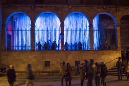 Dossier de presse   1830-04 - Communiqué de presse   FAD to Architecture and Interior Design Awards Finalists 2016 - FAD - Fostering Arts and Design - Competition - Category: Ephemeral Interventions<br> <br> 'Neu Morta', Ephemeral light intervencion at the LlumBCN2015 Festival <br> Plaça Sant Iu, s/n - Porxo del Tinell<br> Barcelone (Spain)<br> <br> Authors:<br> Jordi AdellRoig, arquitectei professor d'arquitecturaDavid Bravo Villafranca, Miriam Itziar CastelCierco, Carla Conill Duquesnoy, Kevin Dalmeda Cid, Noelia de la Red de la Coba, Paula Domènech Garcia, Gerard Guerra López, Hernan Lleida Ruiz, Bernat Bastardas Labot, Stela Salinas Villalba, Sergi Tabueña Fernández,architecture students (ETSAB)  - Crédit photo : Carme Masià, Stela Salinas, Sergi Tabueña, Jordi Adell