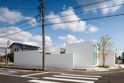 Press kit | 875-02 - Press release | The House for Contemporary Art / Award-winning project - Ryumei Fujiki + Yukiko Sato / F.A.D.S - Residential Architecture - Exterior view from the west - Photo credit: Hiroshi UEDA