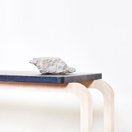 Dossier de presse | 2040-01 - Communiqué de presse | Atelier Sauvage - Le nouveau duo français d'artisans designers - Atelier Sauvage - Produit - Banc - Crédit photo :  Laura Bonnefous