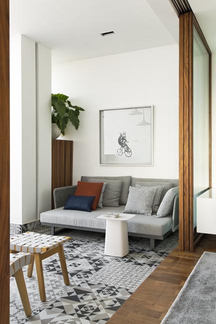 Press kit | 1177-04 - Press release | 360° Apartment by Diego Revollo - Ceramiche Refin S.p.A. - Residential Interior Design -  360º Apartment - Sofa - Photo credit: Alain Brugier