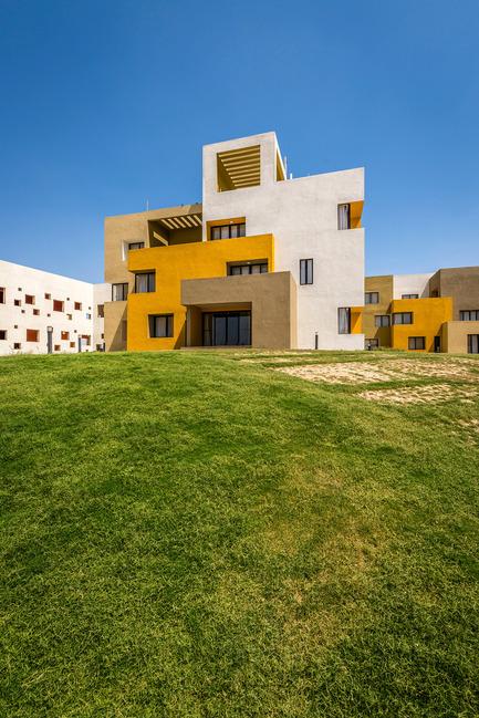 Dossier de presse | 1432-01 - Communiqué de presse | Studios 18 - Sanjay Puri Architects - Residential Architecture - WEST VIEW D BLOCK - Crédit photo :  Vinesh Gandhi